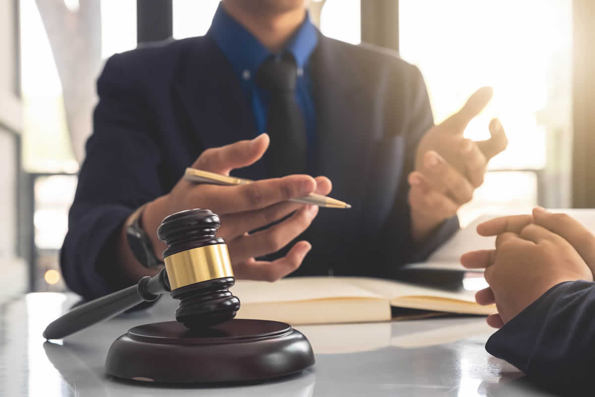 Public Defender Vs. Private Attorney:  Which is Best For You?